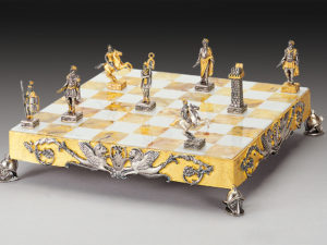 The Roman Empire Complete Chess Set (Board And Pieces)