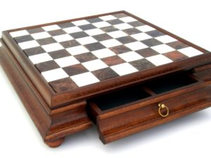 Chessboard In Wood And Alabaster With Drawer (Square 2,4 Inch.)